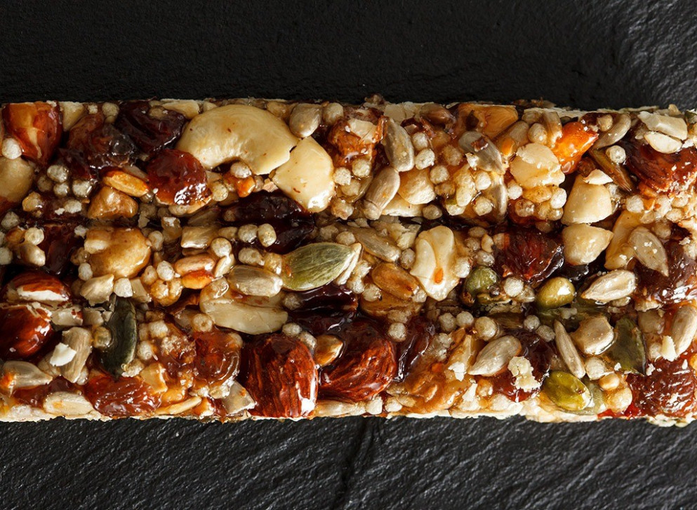 16 Healthy Recipes For Homemade Protein Bars | Eat This ...