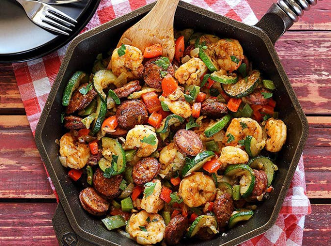 23 Easy And Delicious Ketogenic Skillet Recipes – PureWow