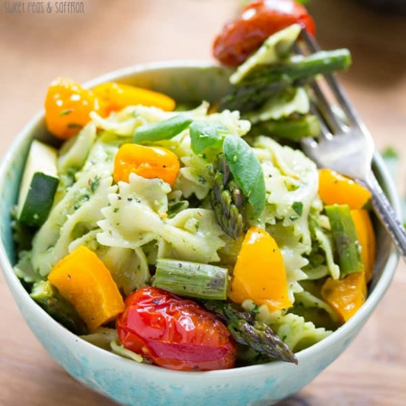 Avocado Pesto Pasta With Roasted Vegetables | Vegetable ...