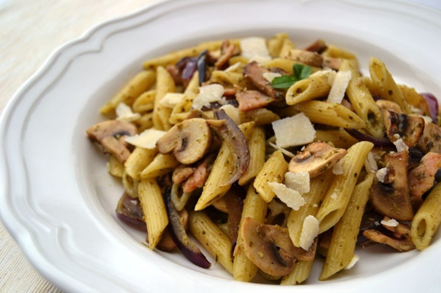 Bacon, Mushroom & Pesto Pasta - Healthy, Tasty & Easy ...