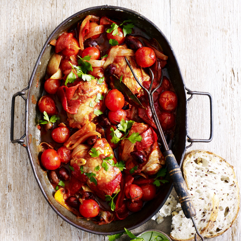 Baked chicken with tomatoes and olives | Healthy Recipe ...