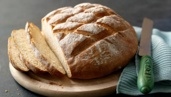 BBC Food - Recipes - How to make easy white bread