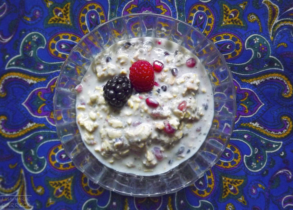 Berry Pomegranate Overnight Oats