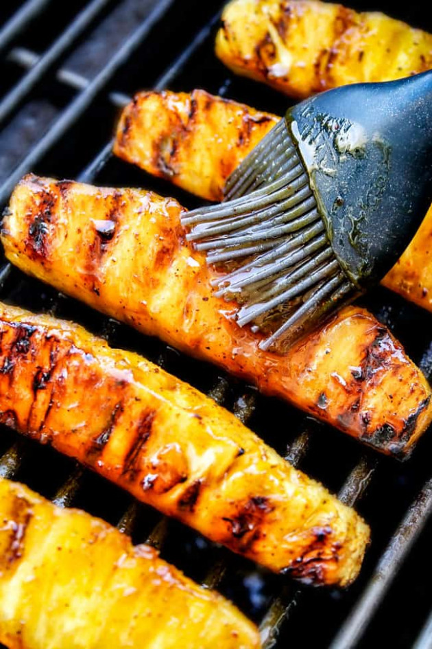 BEST Caramelized Grilled Pineapple with Brown Sugar Orange ...