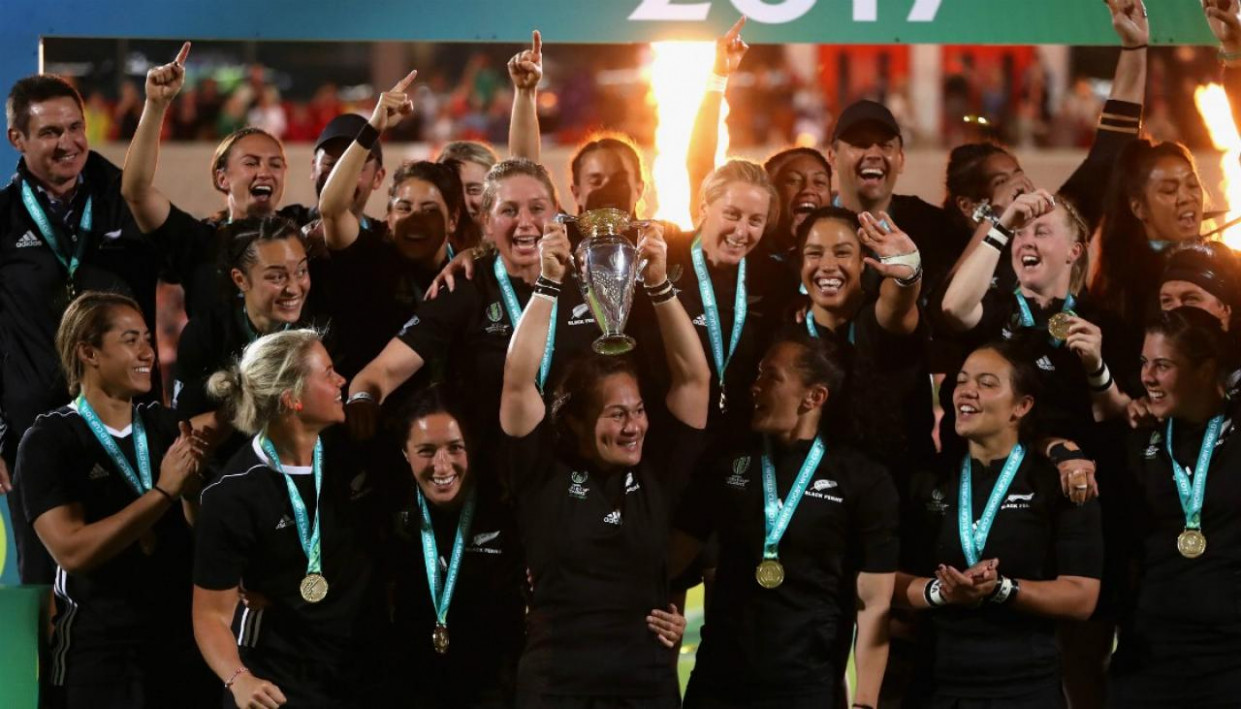 Black Ferns win Team of the Year at World Rugby Awards in ...