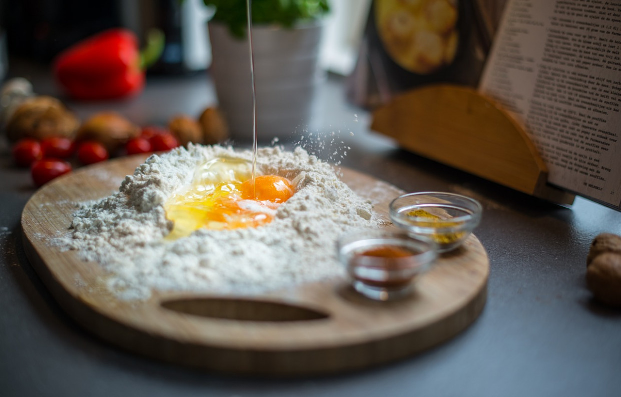 Breaking, Egg, Dough, Kitchen, Recipe