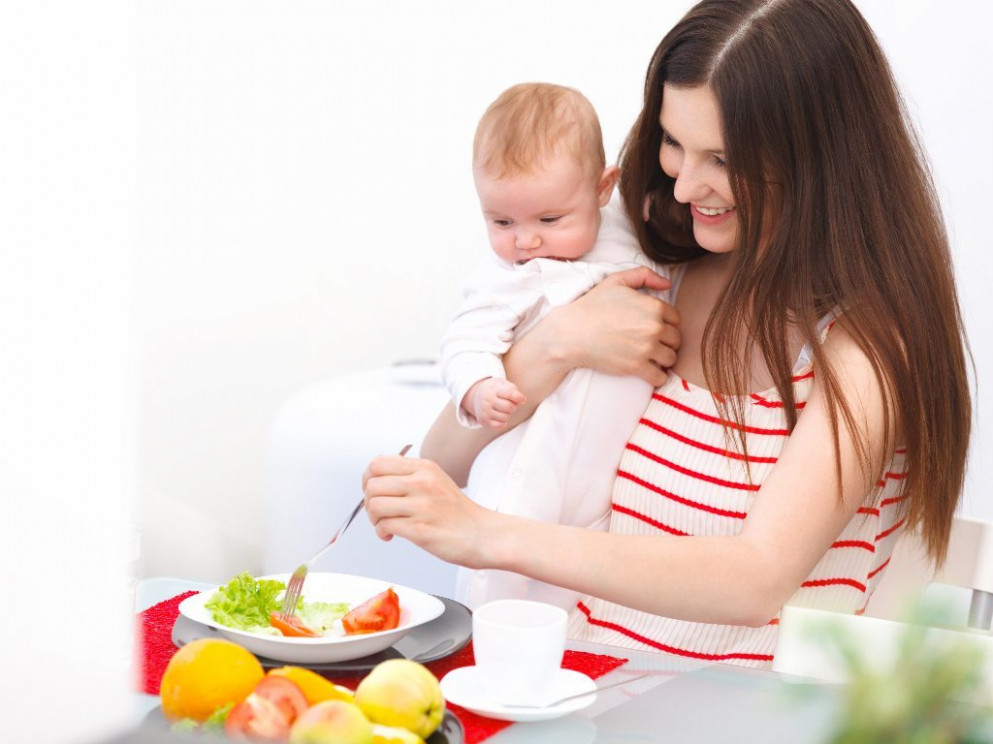 Breastfeeding Diet: What to Eat? Foods to Avoid While ...
