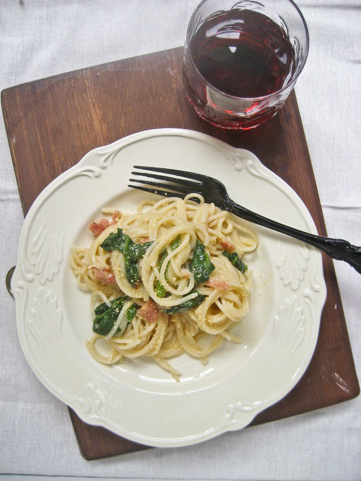 Carbonara Spaghetti with Bacon and Spinach