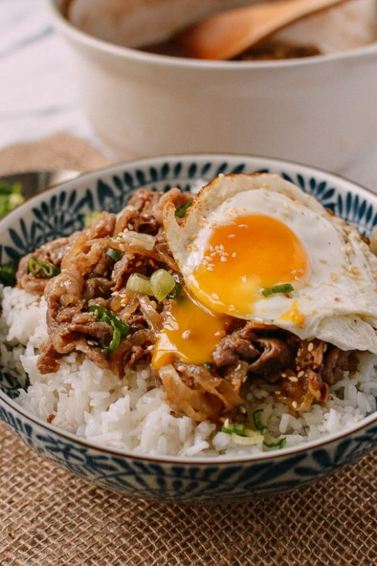 Check out Gyudon (Japanese Beef & Rice Bowls). It's so ...