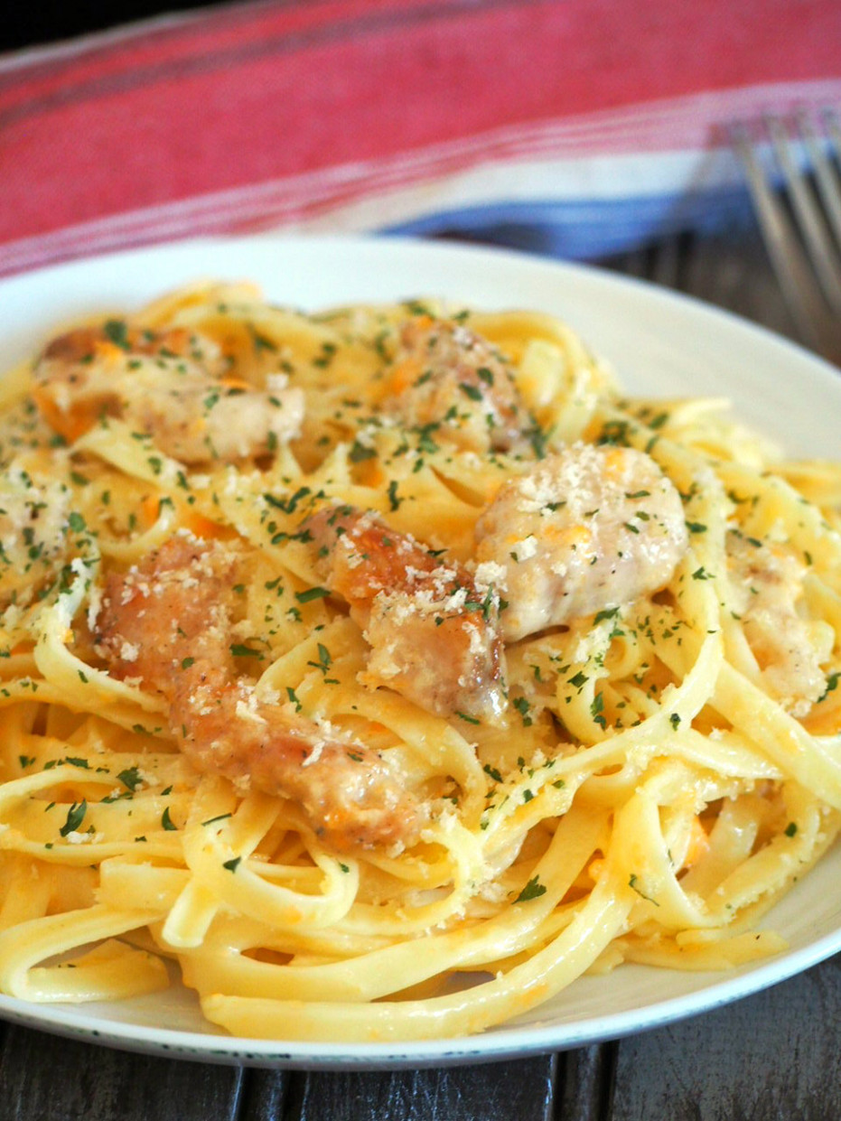 Cheddar Cheese Chicken Fettuccine Alfredo