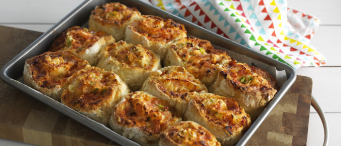 Cheese And Tomato Pinwheel Scones | Food In A Minute