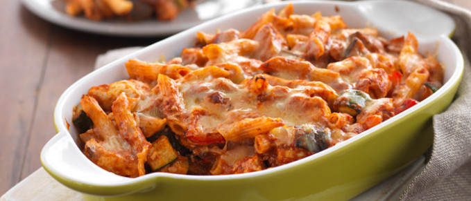 Cheesy Chicken and Roasted Vegetable Pasta Bake | Food in ...