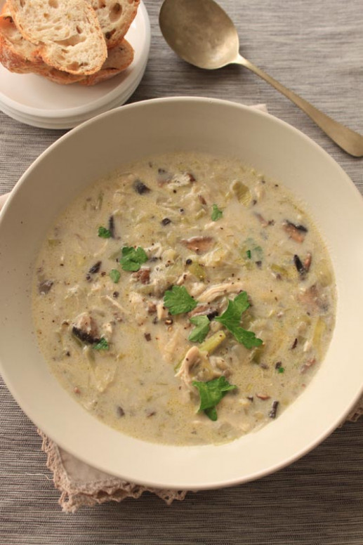 Creamy Chicken, Mushroom and Leek Soup