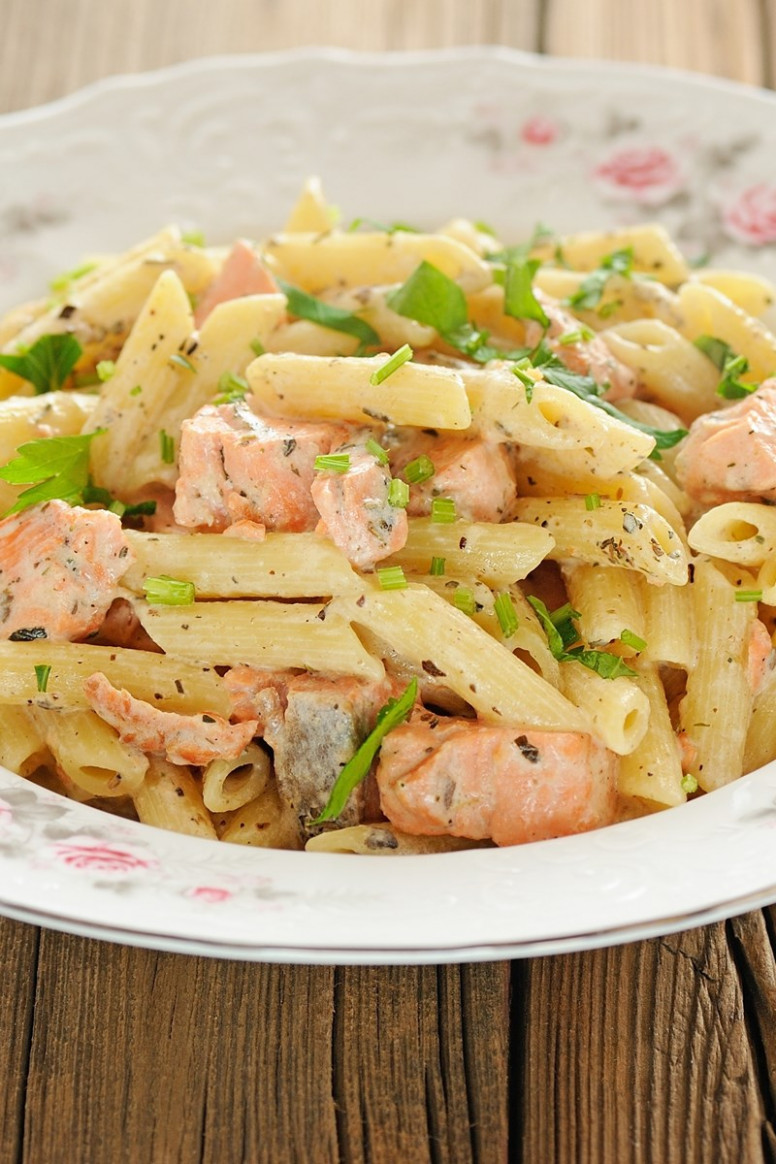 Creamy Smoked Salmon Pasta | KitchMe