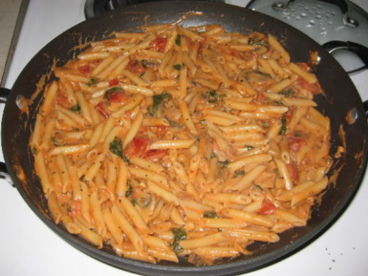 Creamy Spinach And Mushroom Penne Pasta Recipe - Genius ...