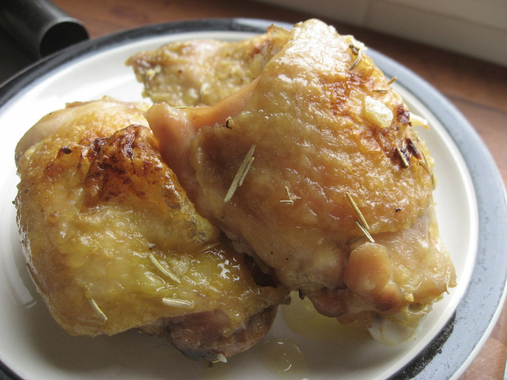 Easy Baked Chicken Thighs_02