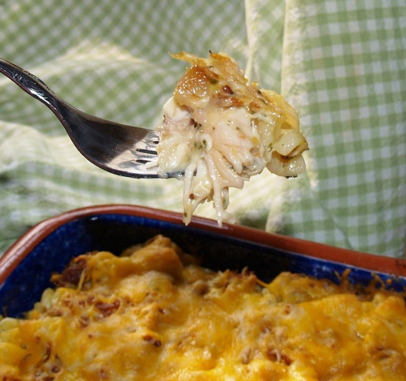 Easy, Cheesy Rotisserie Chicken Casserole | Casseroles ...