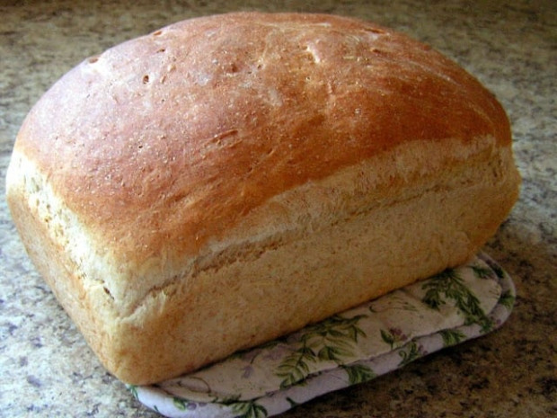 EASY HOMEMADE BREAD - Butter with a Side of Bread