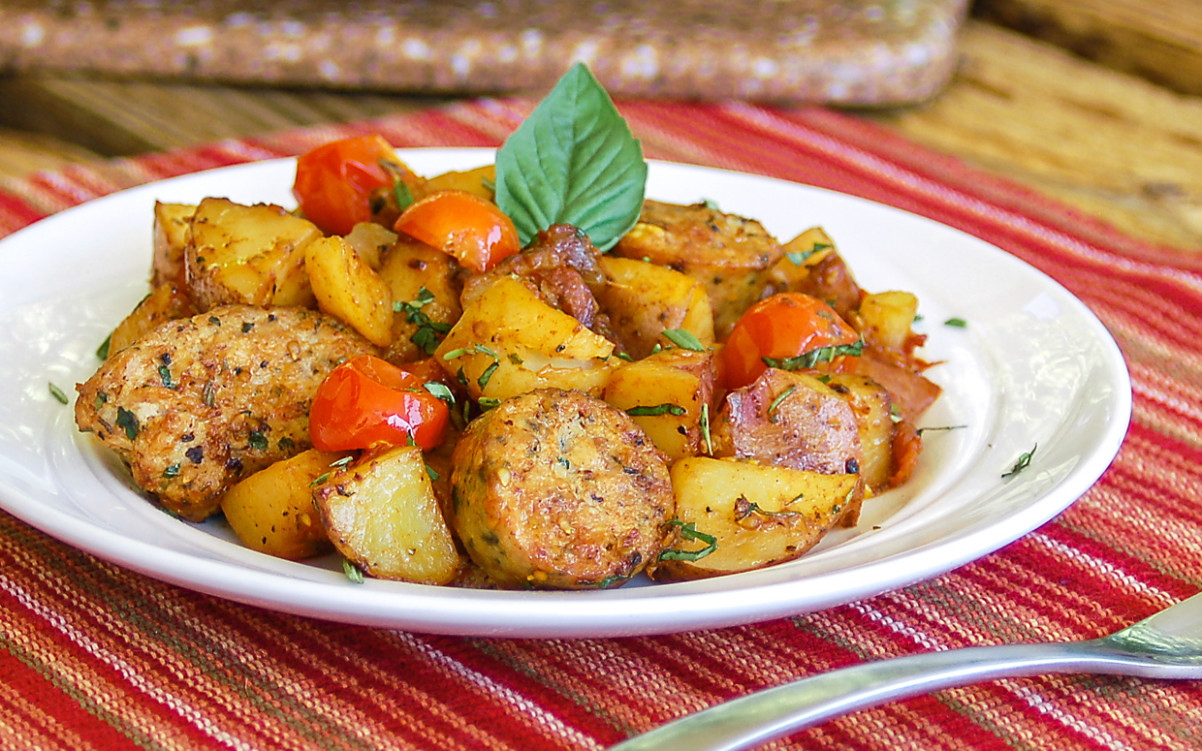 Easy One Skillet Meal: 10-Minute Hearty Italian Sausage and Potatoes
