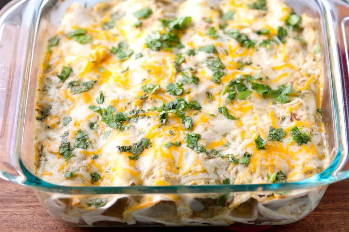 Easy Salsa Verde Chicken Enchiladas Recipe