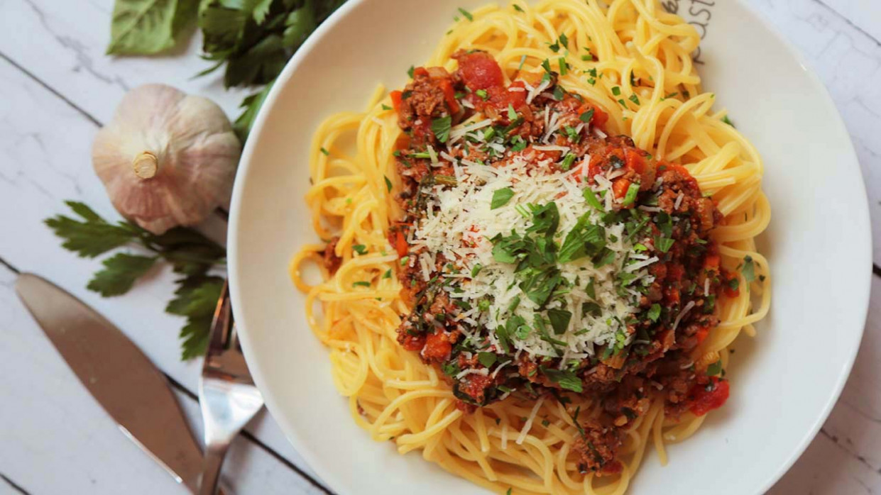 Easy Spaghetti Bolognese Recipe — Dishmaps