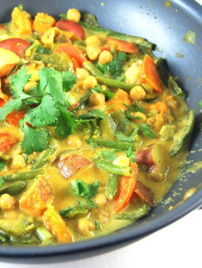 Easy Vegetable Curry With Chickpeas | Recipe | Vegan Nom ...