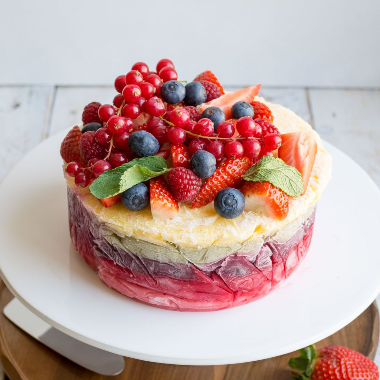 Fresh Fruit Frozen Yoghurt Layer Cake | Rezept | Sweets ...
