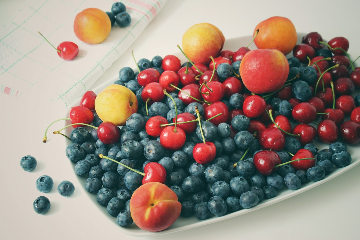 Fruit, Blueberries, Vitamins, Apricots