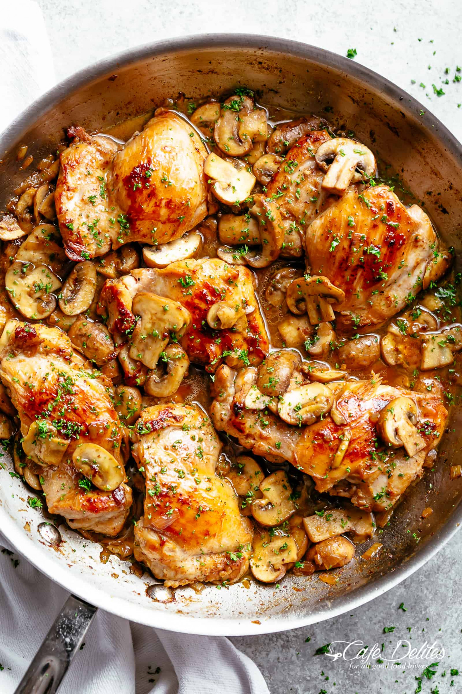 Garlic Mushroom Chicken Thighs - Cafe Delites