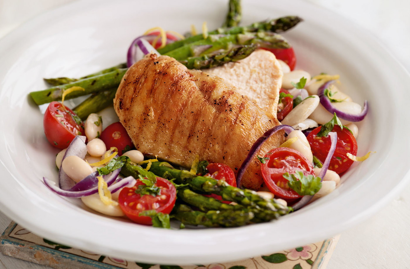 Griddled chicken and asparagus with white bean salad ...