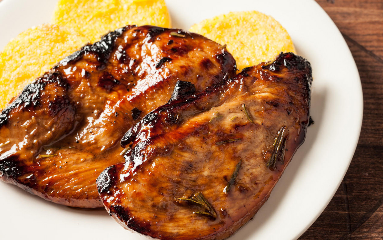 Grilled Chicken Breasts with Balsamic Rosemary Marinade ...