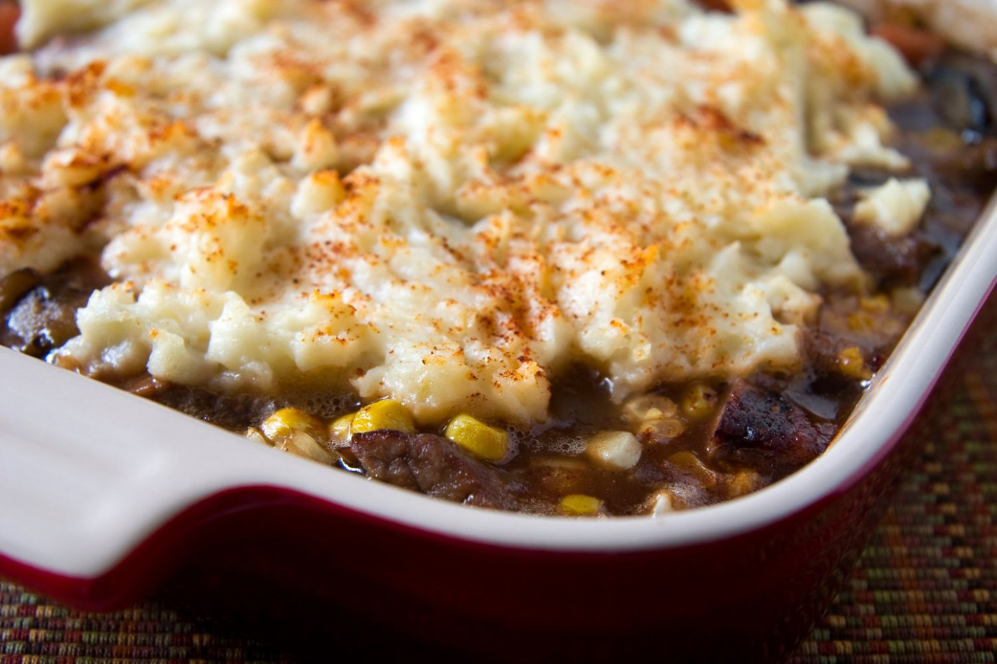 Ground Beef Casserole With Potatoes and Cheese