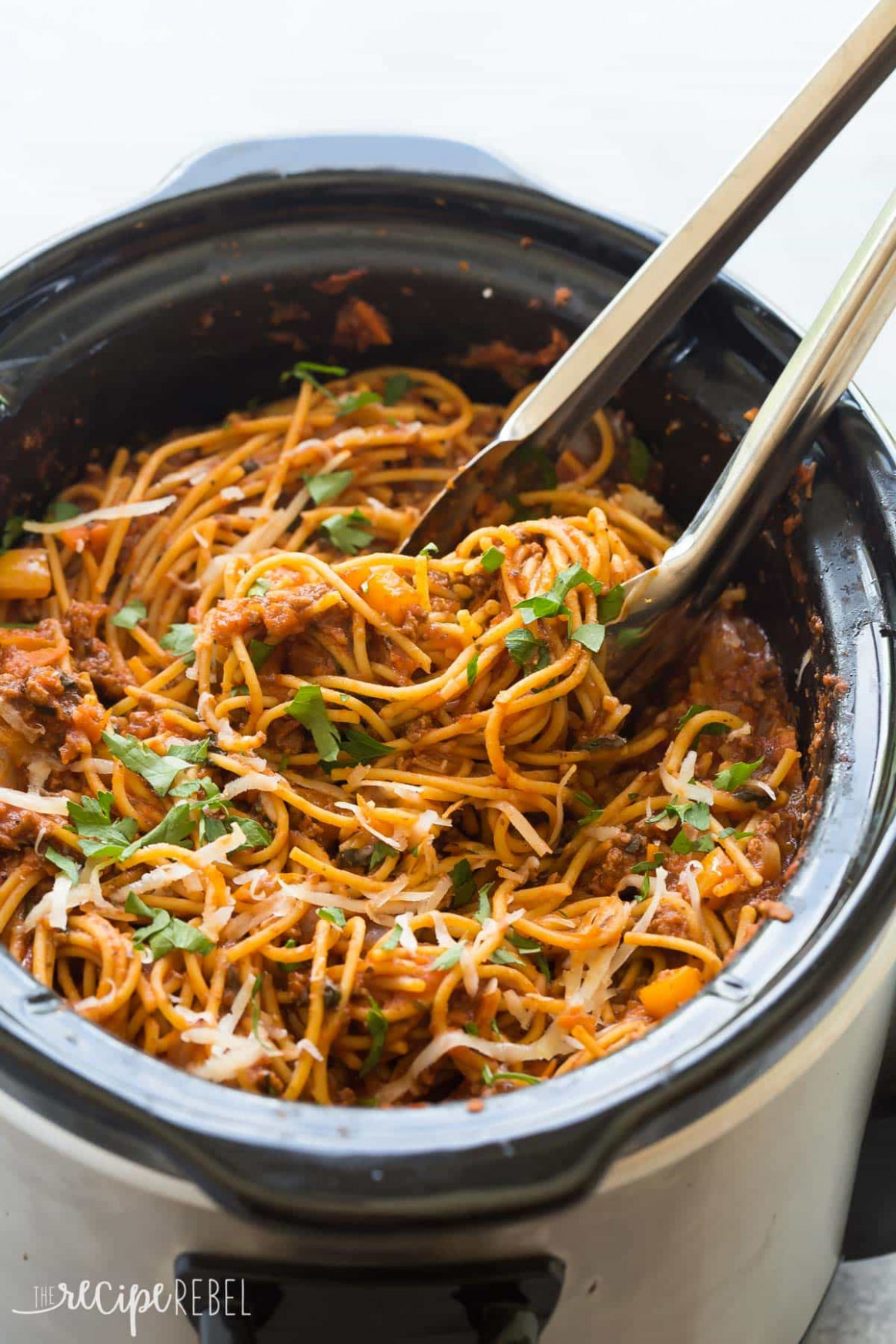 Healthier Slow Cooker Spaghetti and Meat Sauce + VIDEO ...