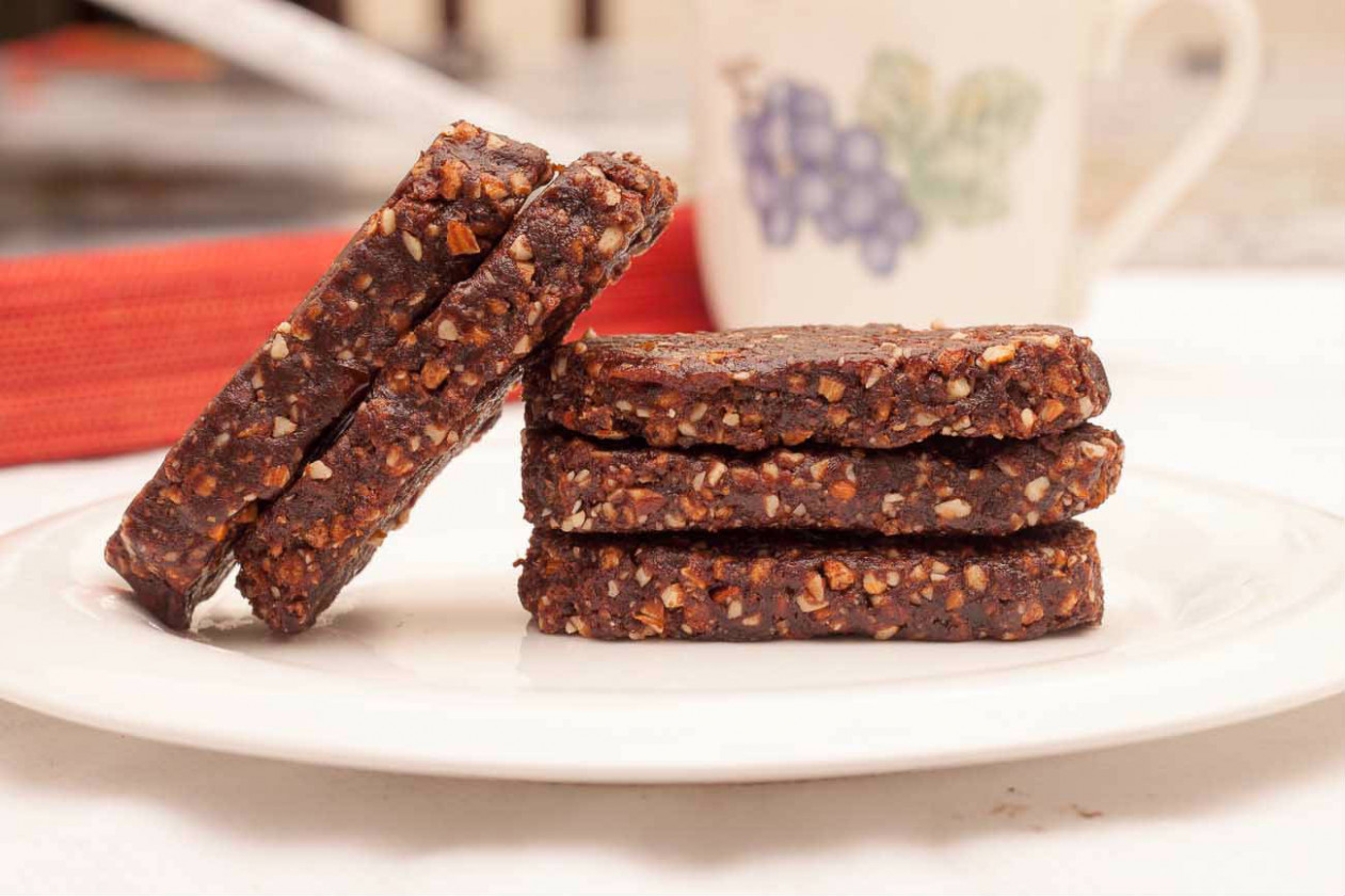 Healthy Energy Bar Recipe Prepared With Red Wine