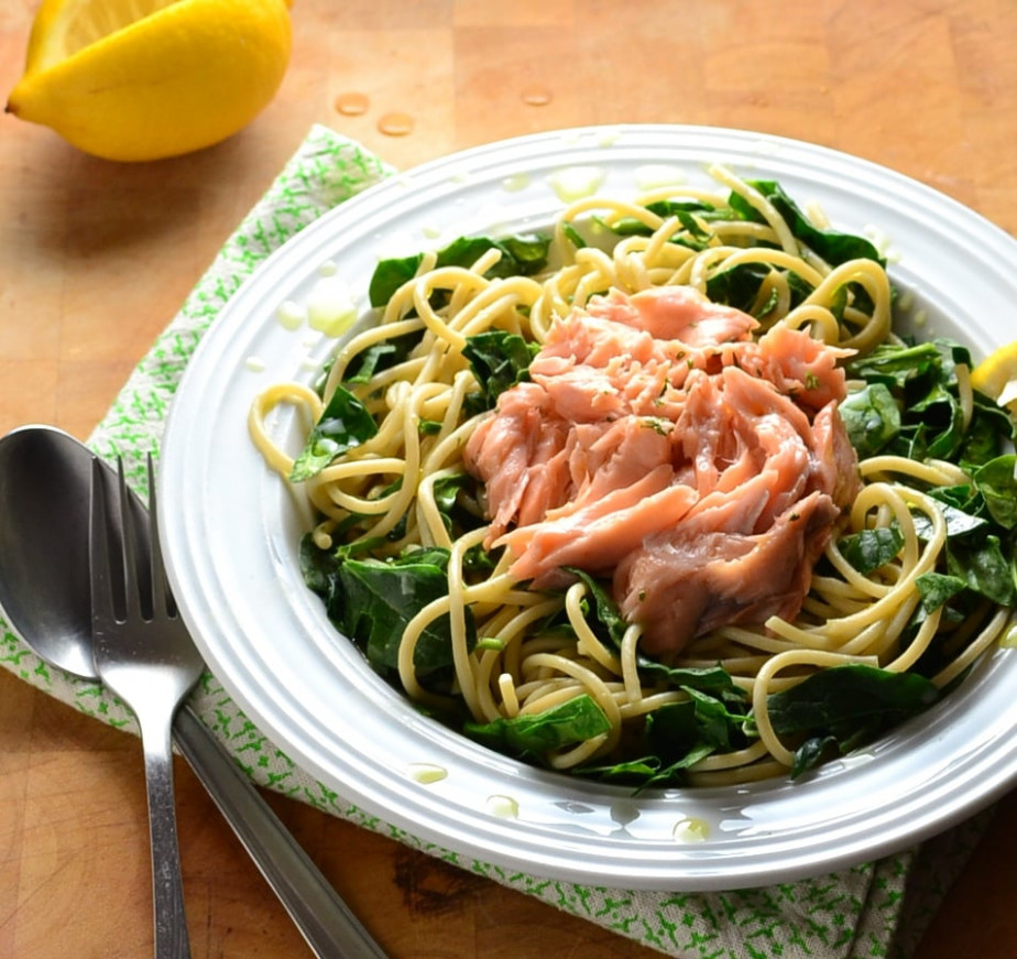 Healthy Salmon Pasta with Spinach - Everyday Healthy Recipes