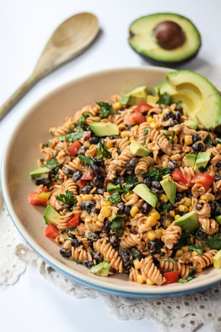 Healthy Southwest Pasta Salad with Chipotle-Lime Greek ...