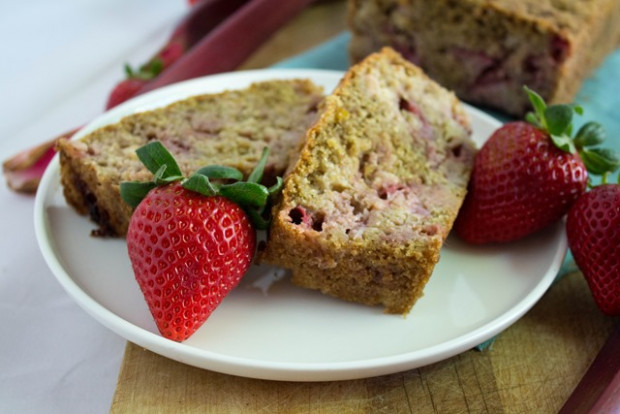 Healthy Strawberry Rhubarb Bread Recipe – FANNEtastic Food …