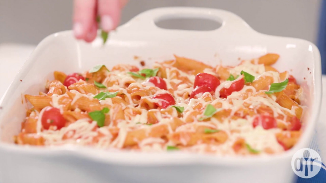 How to Make Creamy Pasta Bake with Cherry Tomatoes and ...
