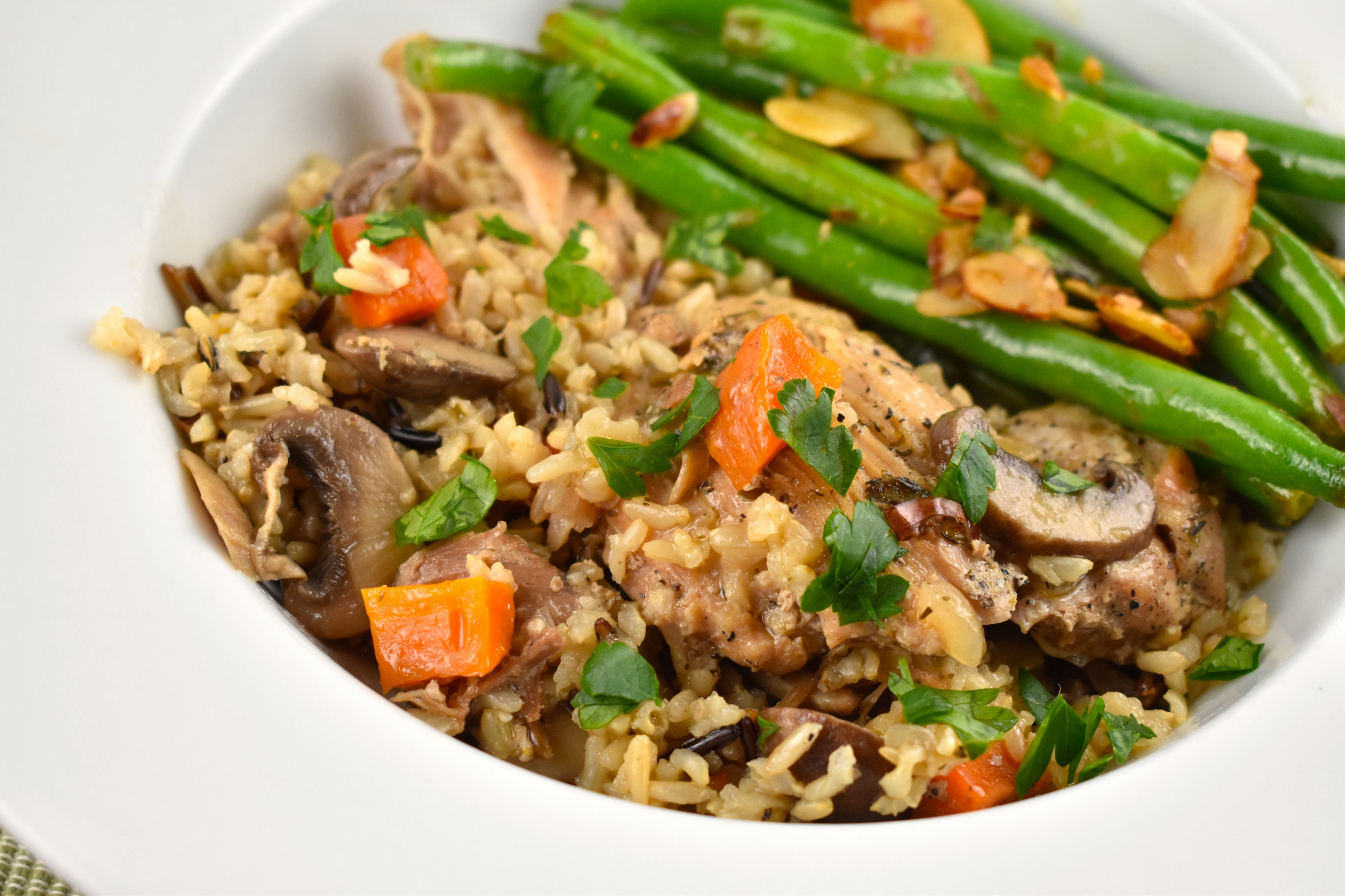 Instant Pot Chicken and Rice Recipe - 6 Points - LaaLoosh