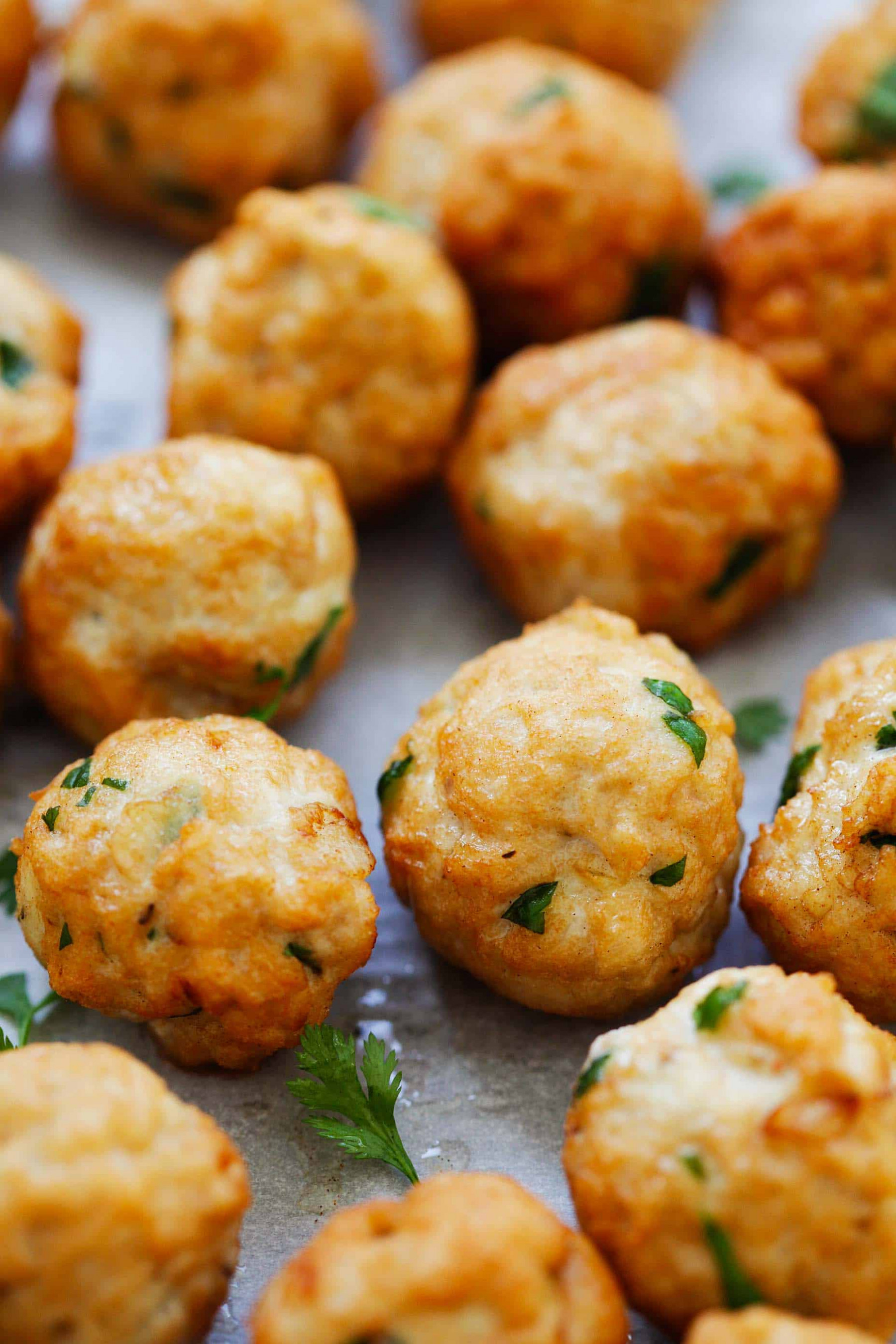Juicy Chicken Meatballs (Easy Meatballs Recipe!) - Rasa ...