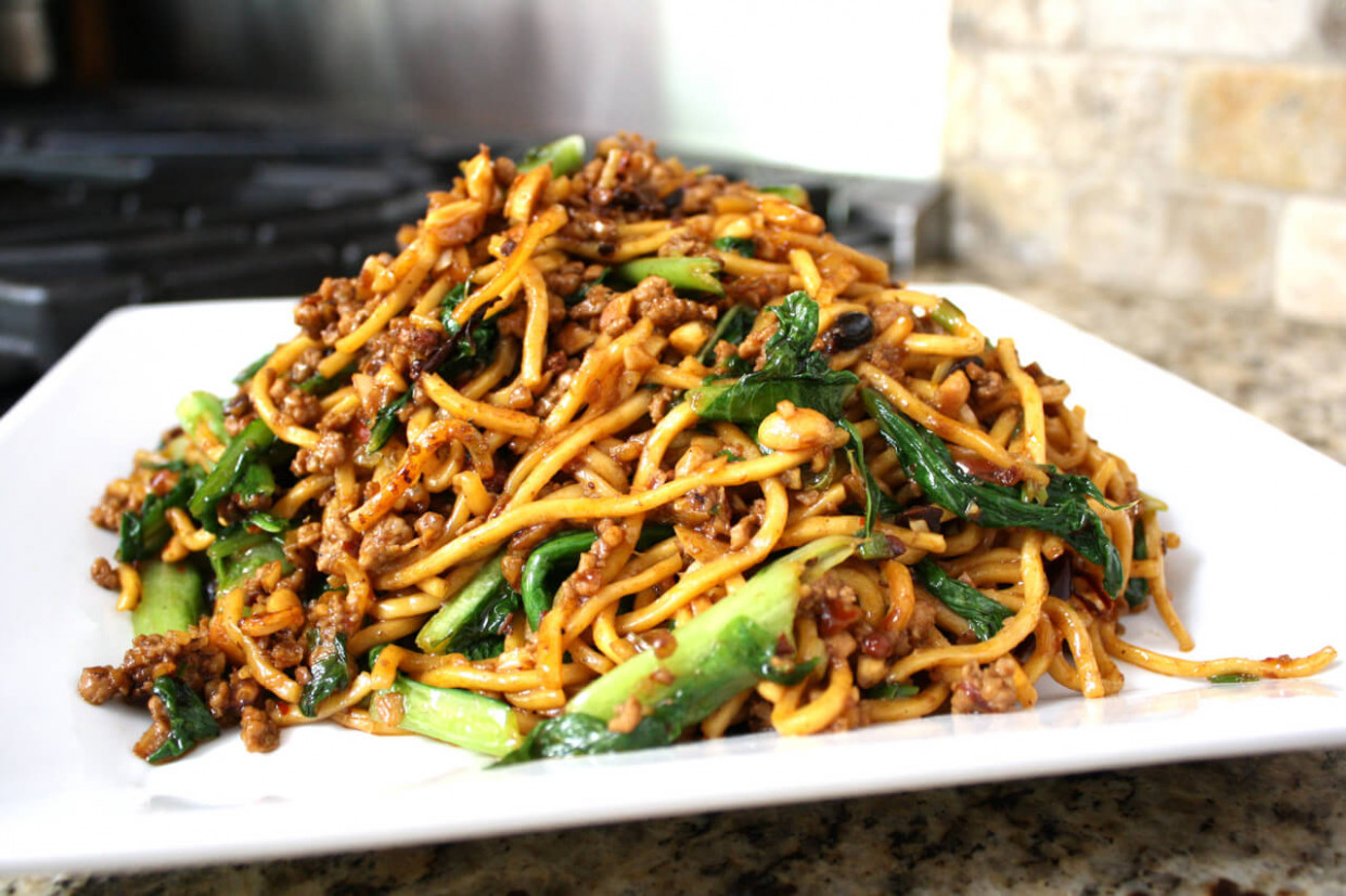 Kaitlin's Special Noodles (Ground Pork Lo Mein) - The Woks ...