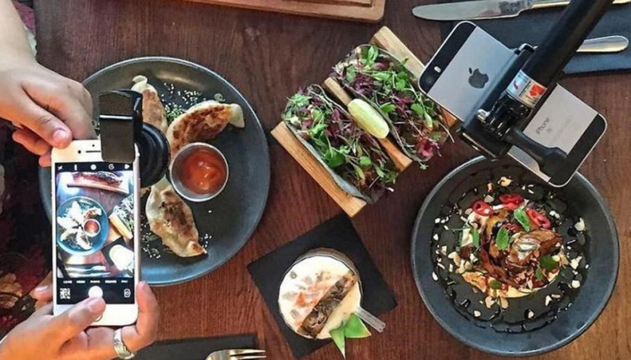 London restaurant issues diners 'Instagram packs' with ...