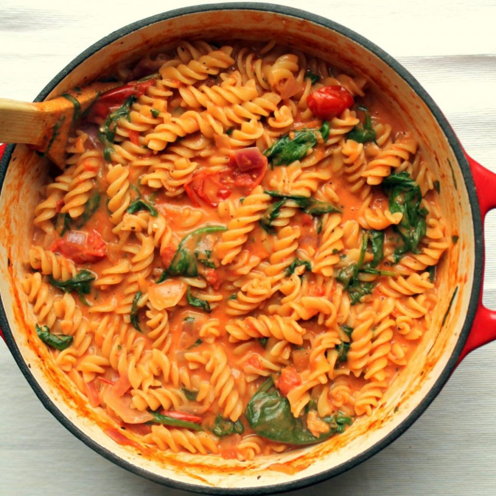One Pot Pasta with Tomato & Mascarpone Sauce | Happy ...