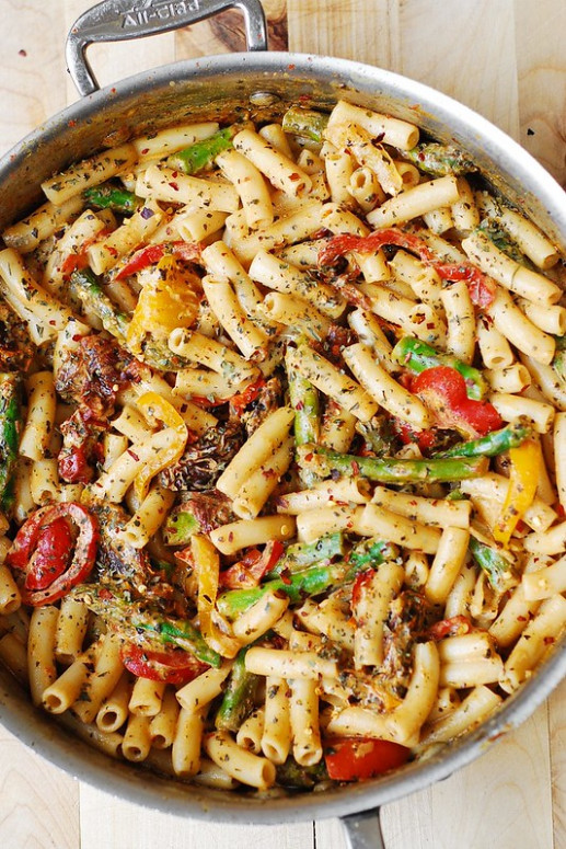 Pasta, Bell Peppers, and Asparagus in a Creamy Sun-Dried ...