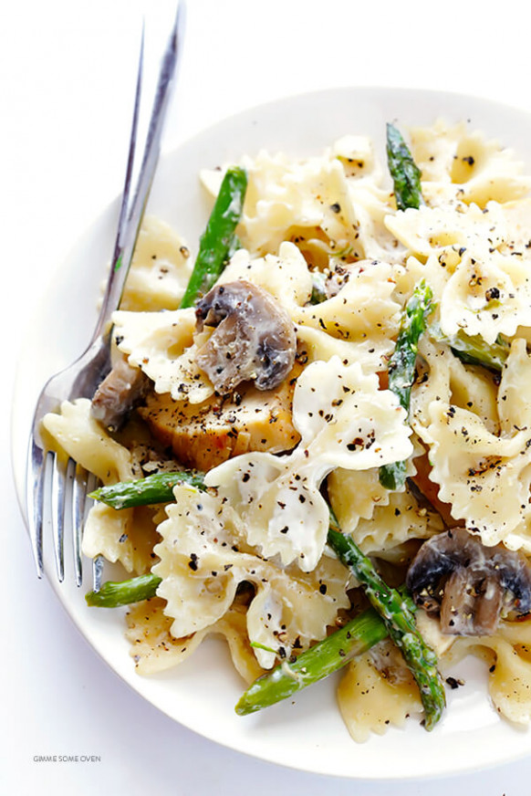 Pasta With Goat Cheese, Chicken, Asparagus & Mushrooms ...