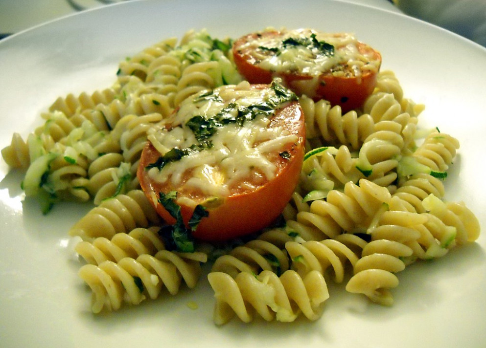Pasta with Tomatoes and Zucchini