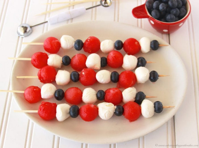 Patriotic Fruit And Cheese Kabobs – Cooking With Ruthie