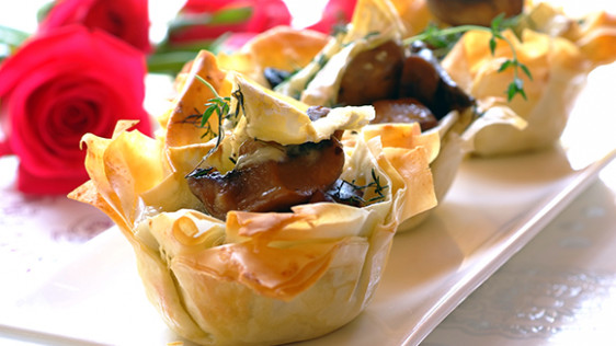 Phyllo Pastry Cups with a Brie and Mushroom Filling ...