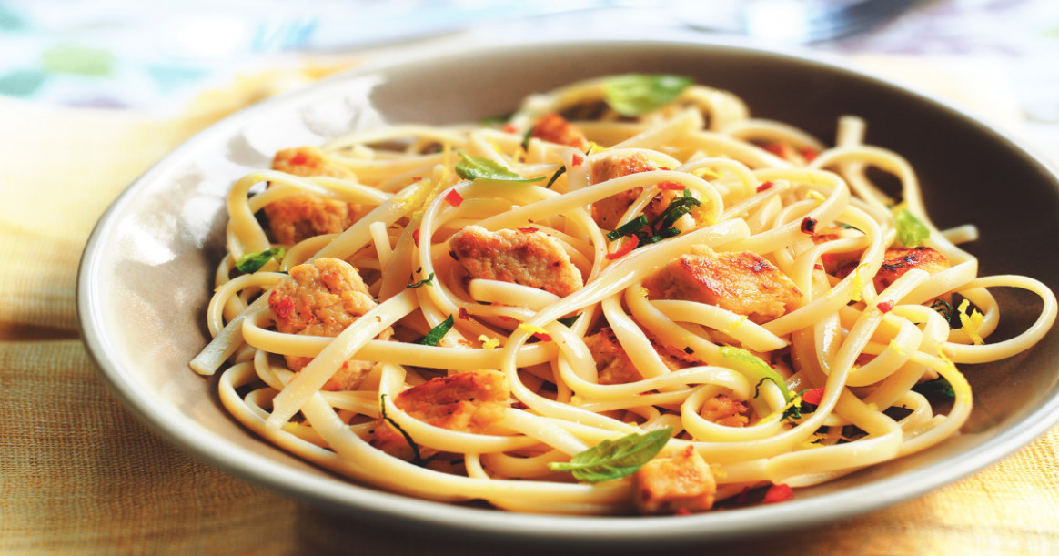 Quorn Meatless Chicken, Lemon & Chilli Linguine Recipe ...