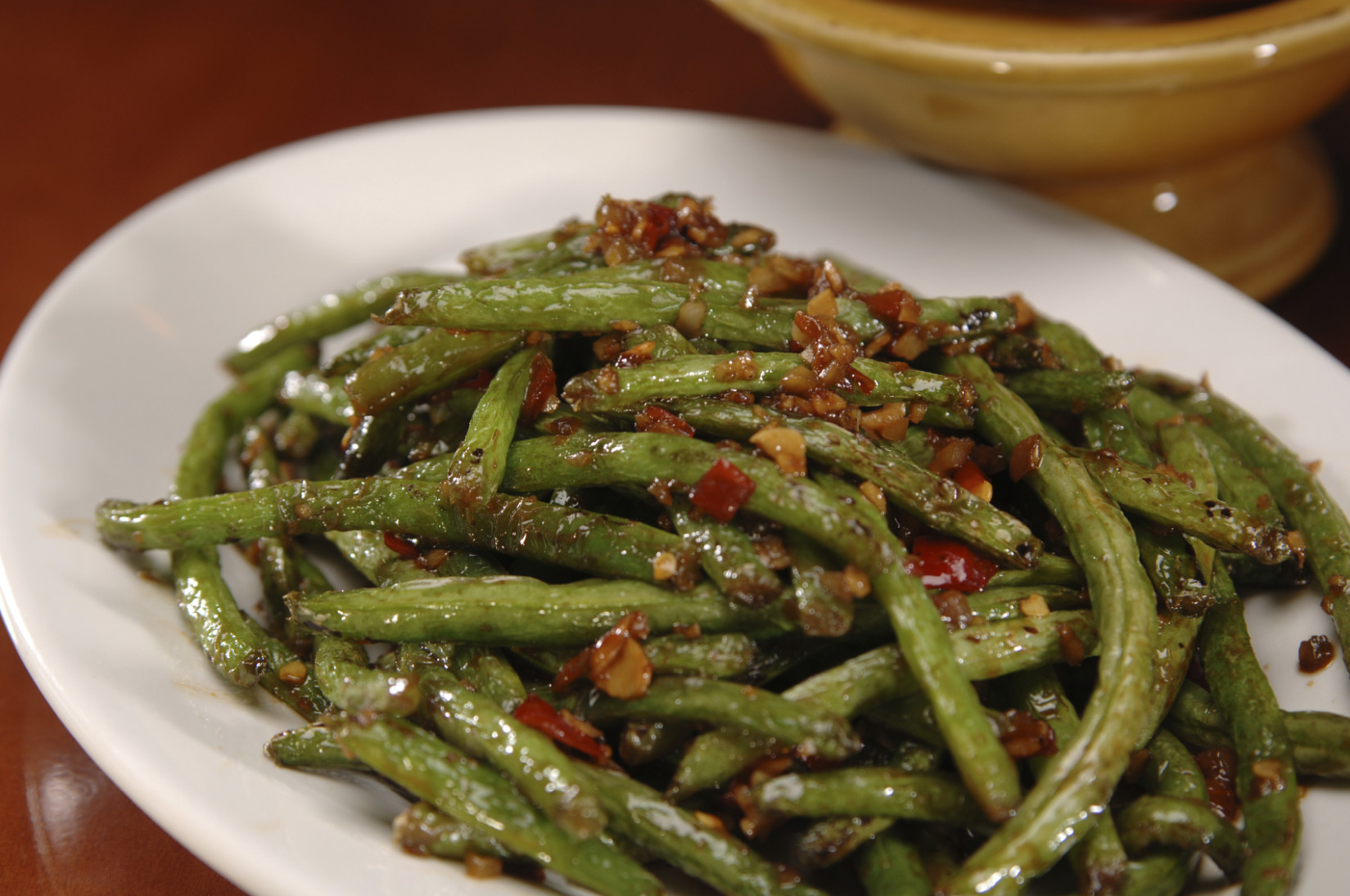 Recipe: Green beans with prosciutto and pine nuts - LITTLEROCK